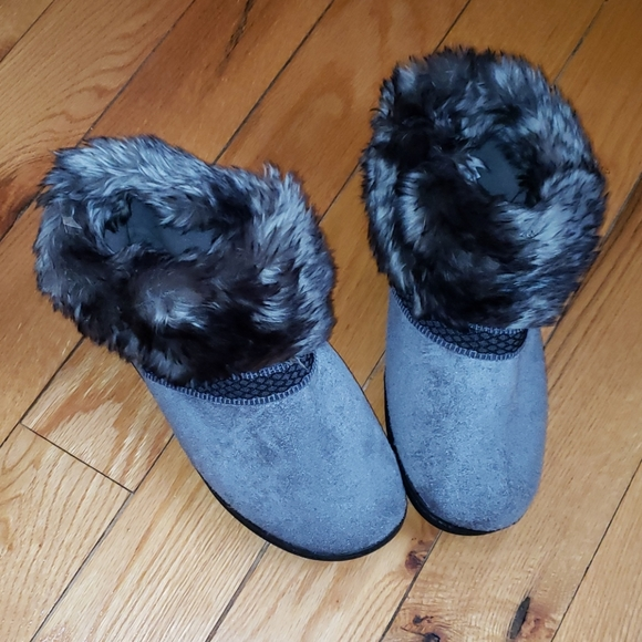 Isotoner Slippers